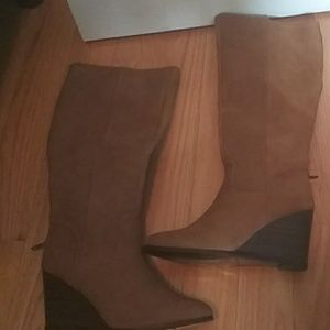 Rampage brown wedge boots nwot